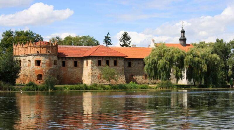 Староконстантиновский замок