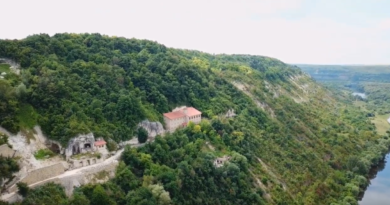 Lyadovsky rock monastery